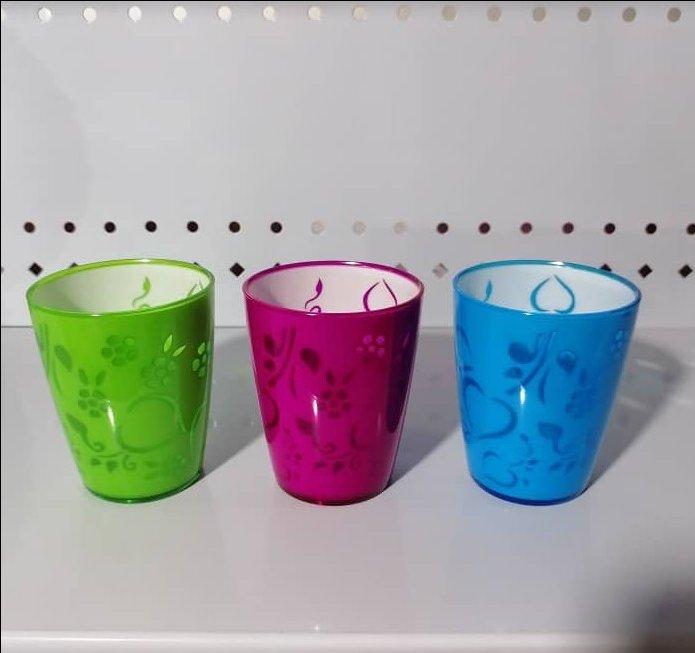 لیوان پلاستیکی گلبرگ بی دسته